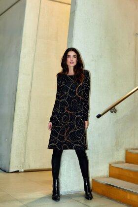 BRANDTEX - Sort Kjole med Print