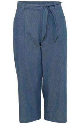 MICHA - Lange Lette Denim Shorts