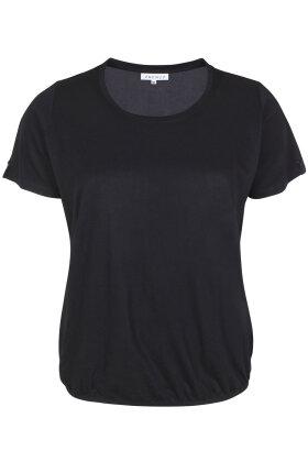 ZHENZI - Baci 212 - Basis T-shirt - Sort