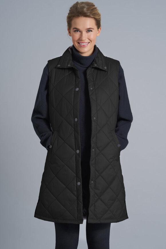 JUNGE - Elanna Lang Quilt Vest - Sort