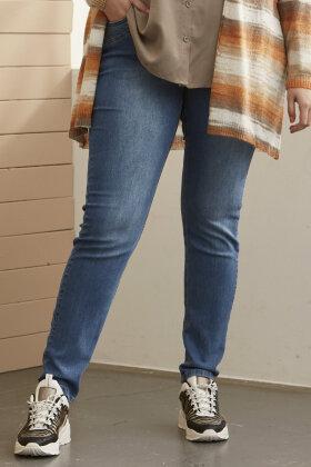 ZHENZI - Curve Shaping Fit Jeans - Denim