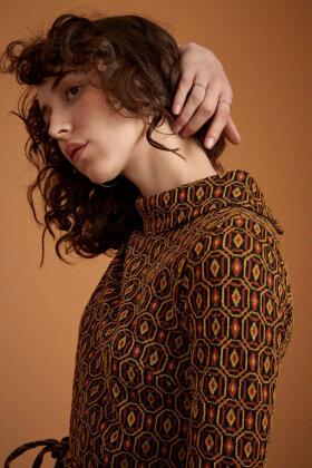 KING LOUIE - Dita Dress Honeycomb - Grafisk Jersey Kjole - Sort